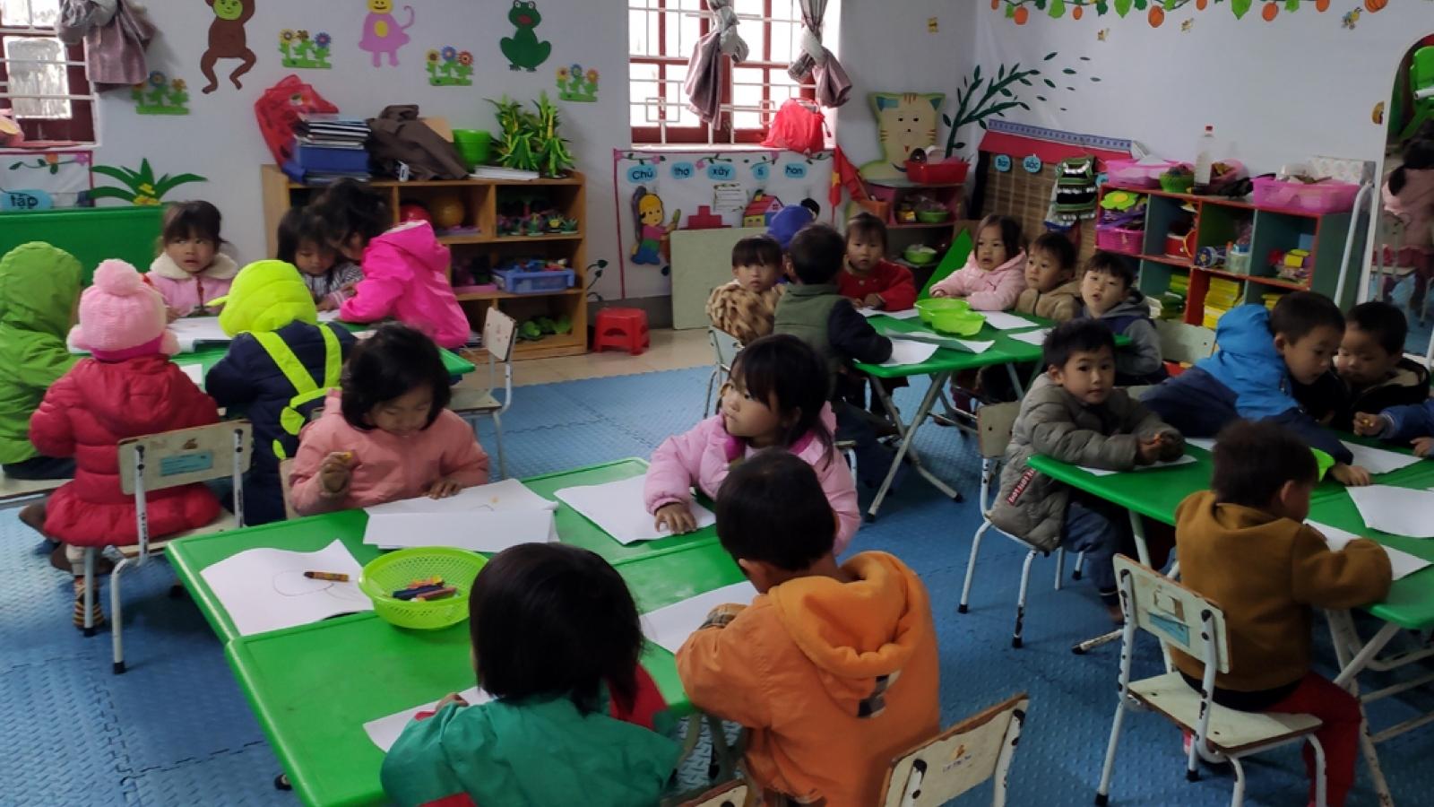 Tà Lèng chủ động giữ ấm cho học sinh trong những ngày giá rét