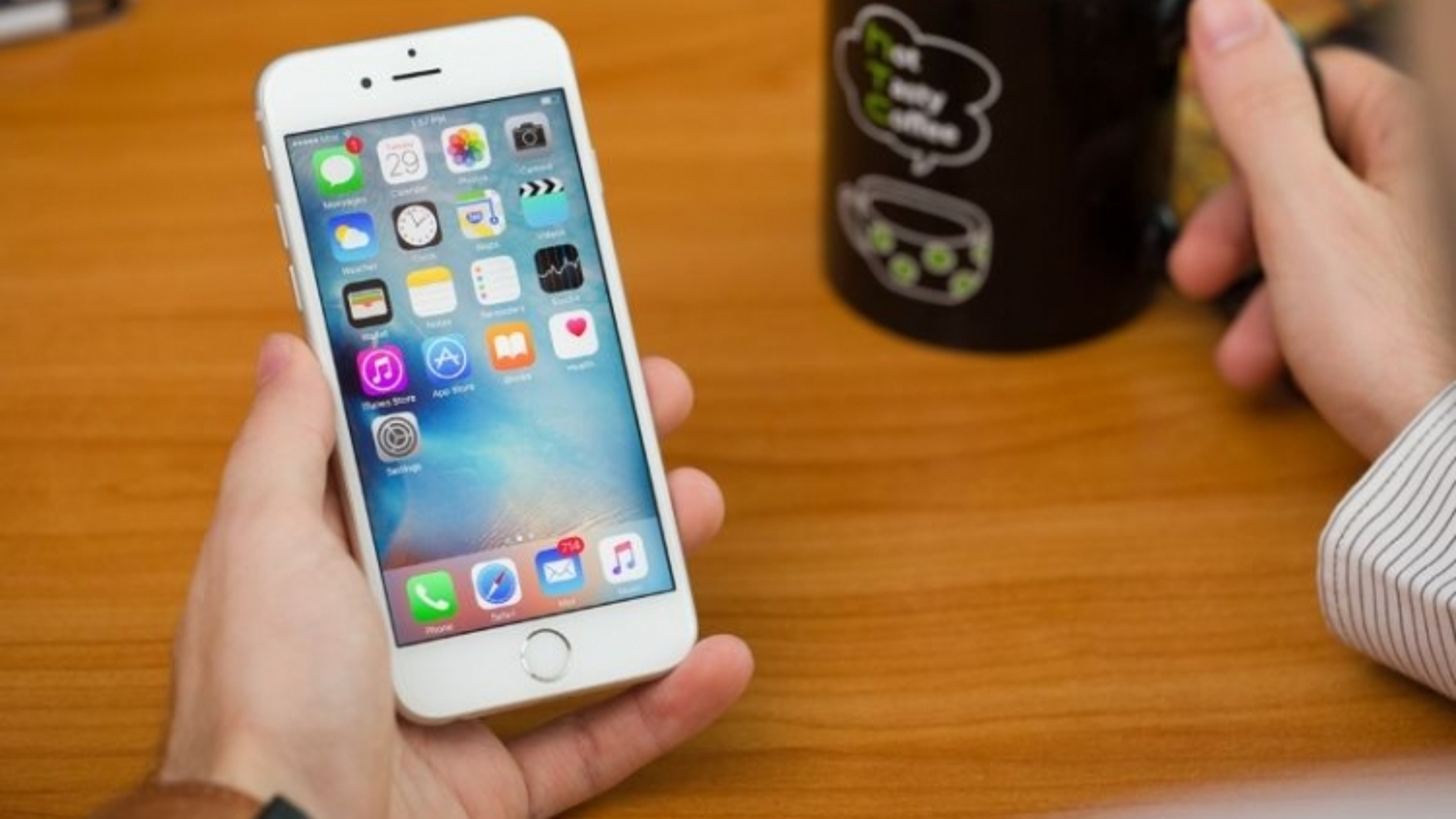 Ba mẫu iPhone phổ biến sẽ bị iOS 15 bỏ rơi