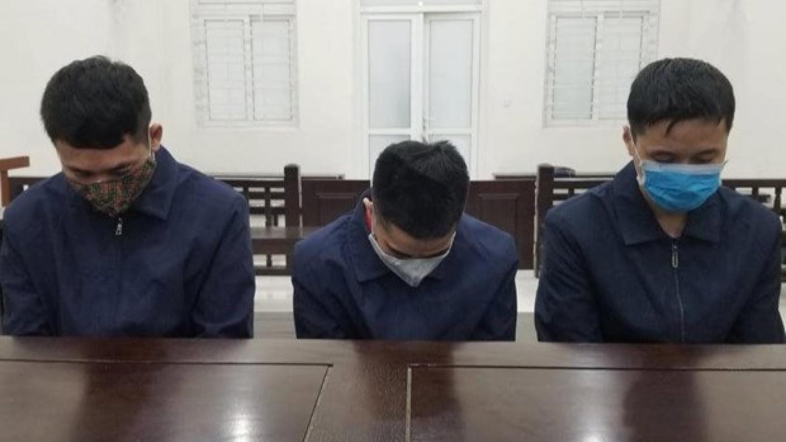 """Hà Nội: Lĩnh án tù vì """"chuyển nhượng"""" 3 thiếu nữ dưới 16 tuổi"""