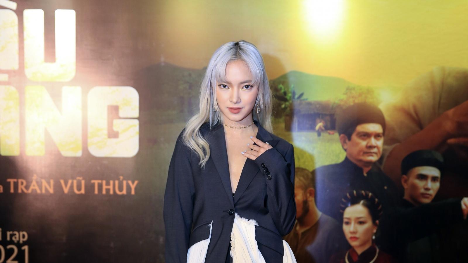 """Châu Bùi, Hồng Diễm và dàn sao Việt đổ bộ buổi công chiếu phim """"Cậu Vàng"""""""