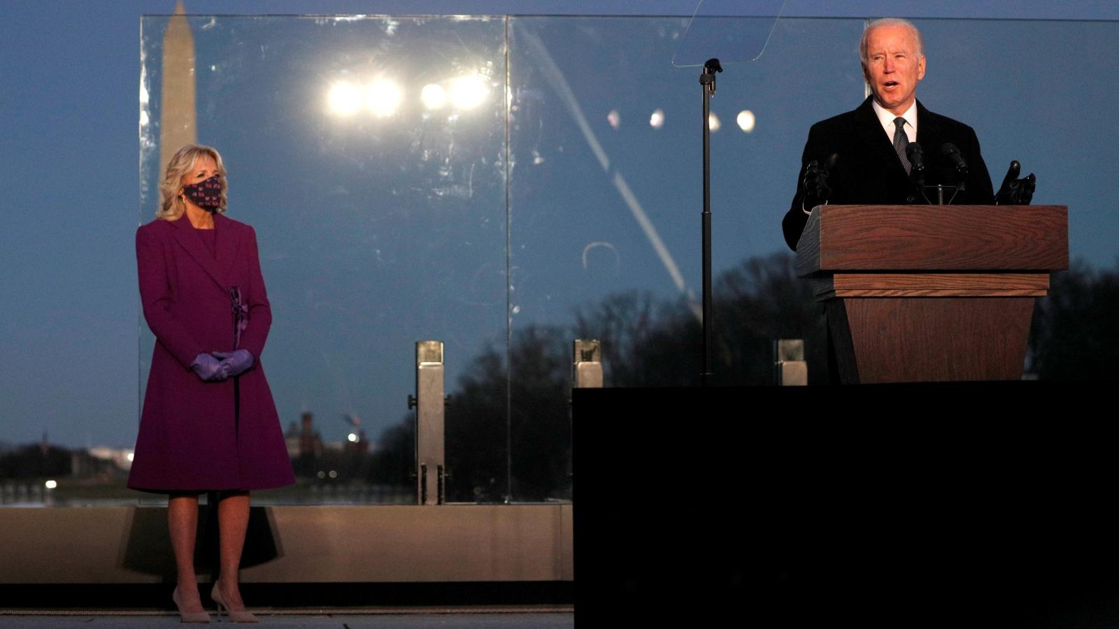 Tổng thống và Phó Tổng thống đắc cử Mỹ tham dự lễ tưởng niệm nạn nhân Covid-19