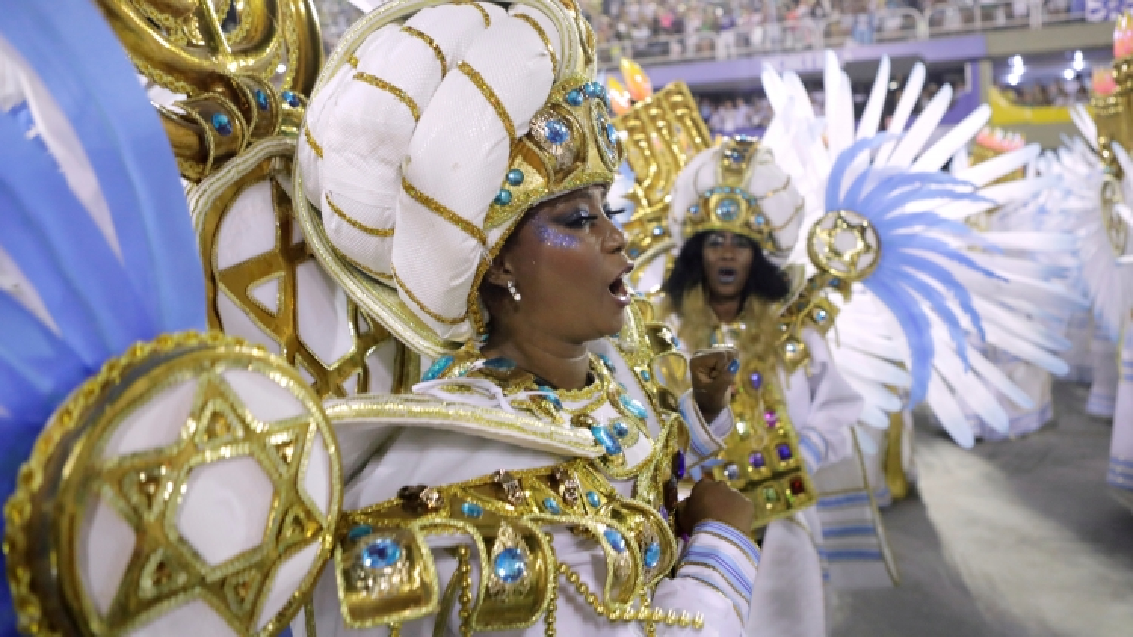 Hoãn tổ chức lễ hội hóa trang lớn nhất thế giới