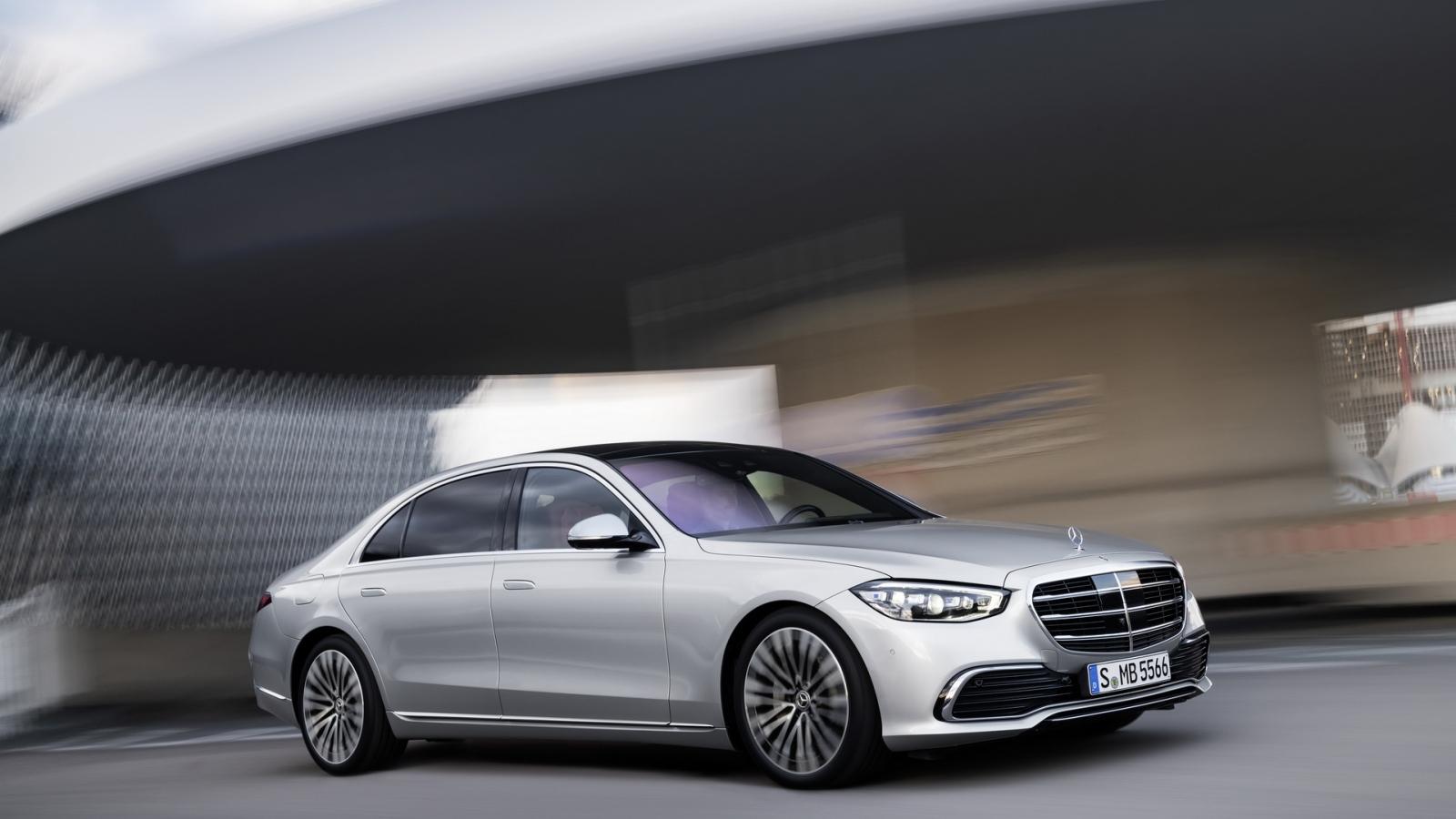 Mercedes-Benz xin lỗi khách phải vì phải triệu hồi xe S-Class thế hệ mới