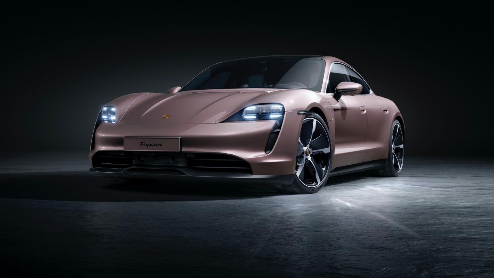 """Porsche ra mắt Taycan bản tiêu chuẩn """"giá rẻ"""""""