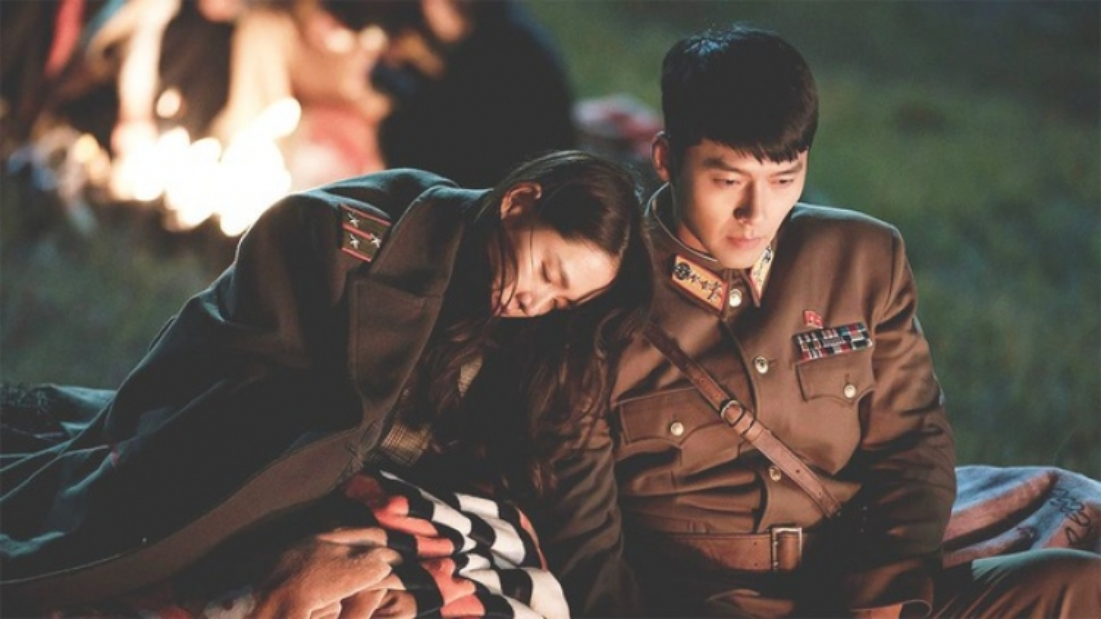 """""""Soi"""" lịch sử hẹn hò của cặp đôi """"Hạ cánh nơi anh"""" Hyun Bin & Son Ye-Jin"""