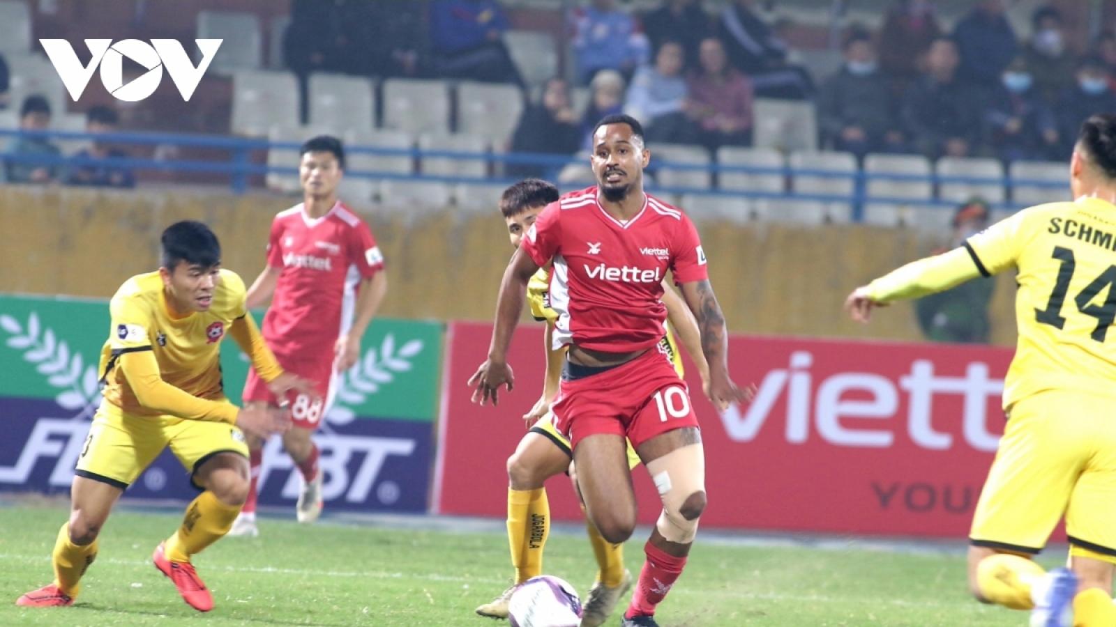 Chùm ảnh: Ngoại binh xuất sắc V-League 2020 nhạt nhòa trước hàng thủ Hải Phòng