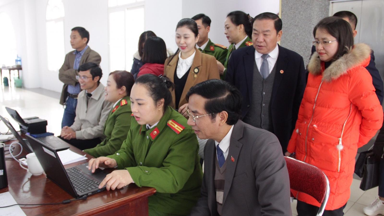 Sơn La bắt đầu cấp căn cước công dân gắn chíp điện tử