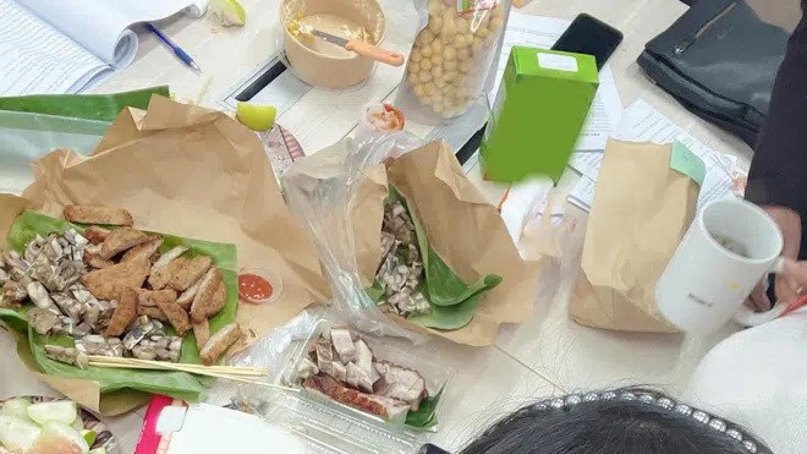 """Chuyện showbiz: Vân Dung tiết lộ bữa ăn """"đạm bạc"""" của dàn Táo quân"""