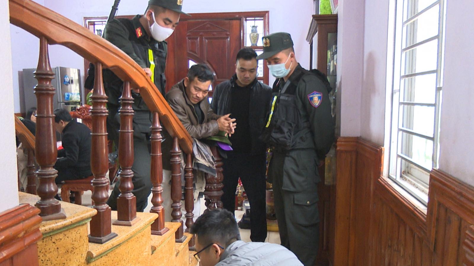 Bắt nhóm đối tượng cưỡng đoạt tài sản trên Vịnh Hạ Long