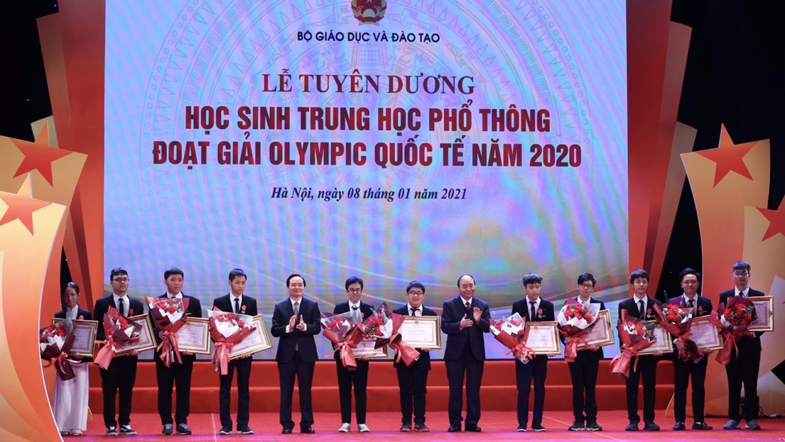 Thủ tướng tuyên dương các học sinh THPT đoạt giải Olympic quốc tế năm 2020