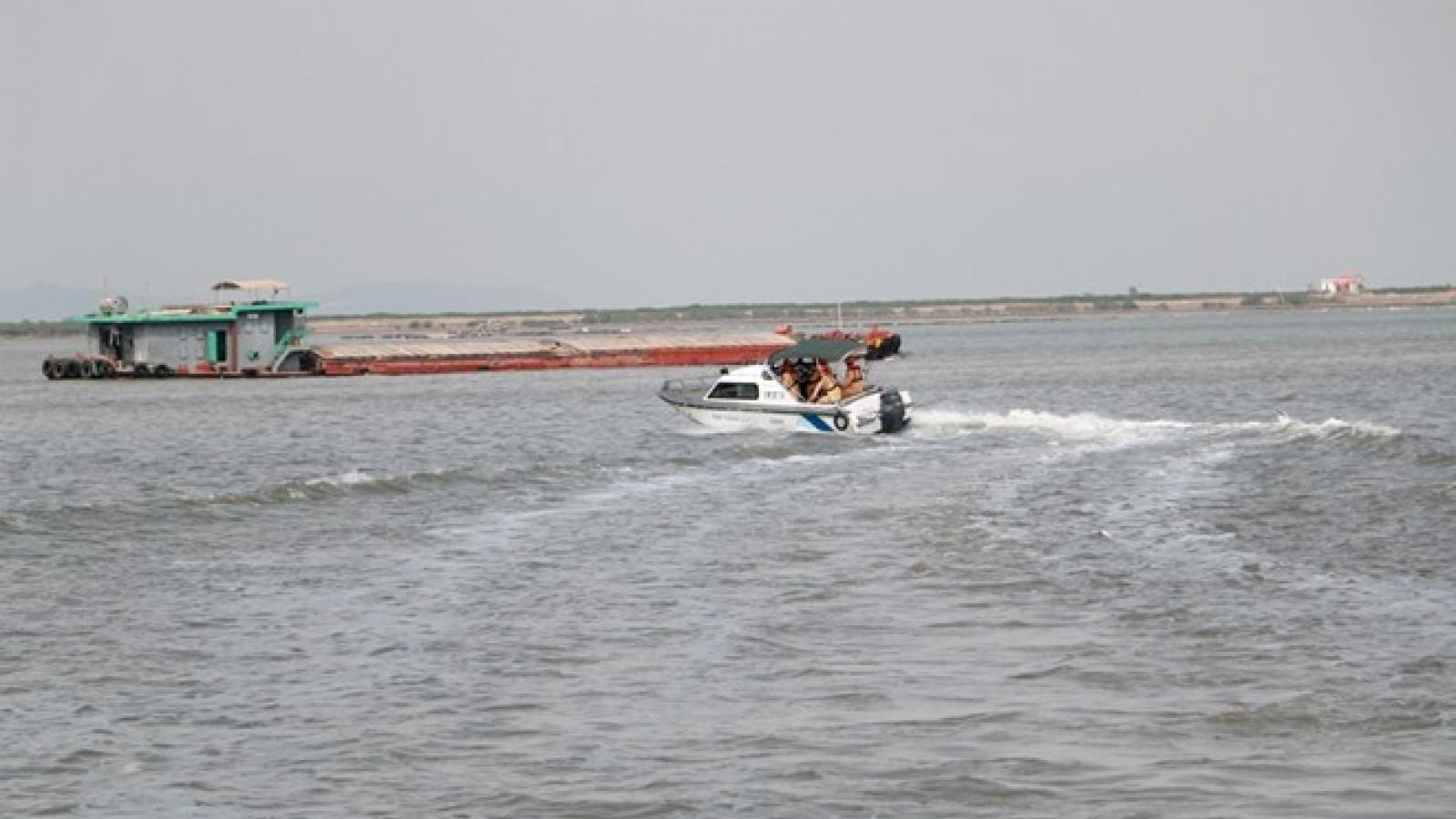 Trung tá CSGT Bắc Ninhhy sinh khi làm nhiệm vụ trên sông Đuống