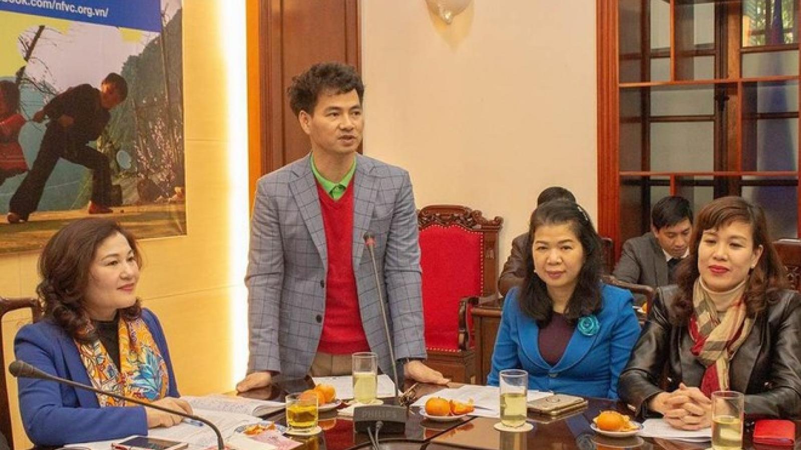 NSƯT Xuân Bắc cùng con trai đóng kịch ủng hộ trẻ em nghèo, khó khăn