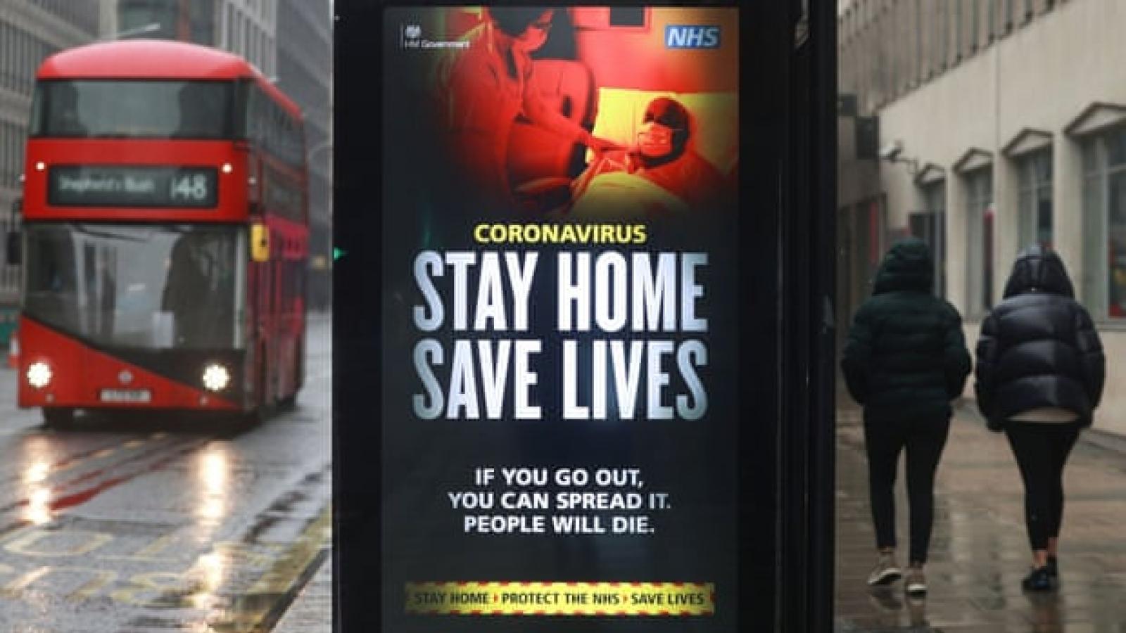 """Vượt 100.000 ca tử vong Covid-19, Anh sắp tiến tới """"thời điểm tồi tệ nhất"""""""
