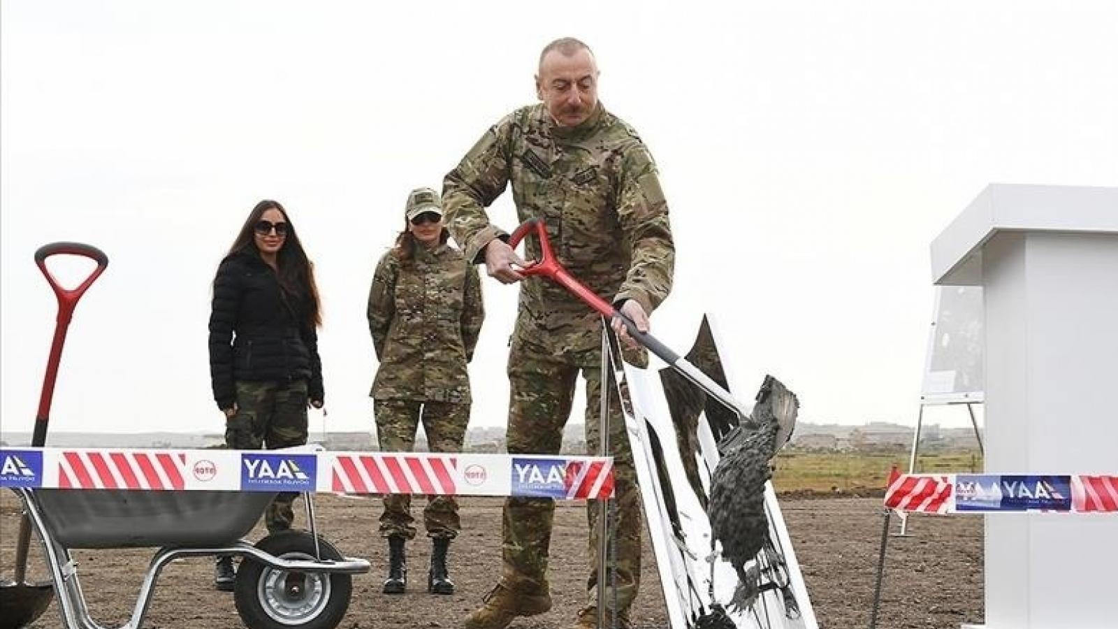 Tổng thống Azerbaijan động thổ xây sân bay cho vùng đất vừa tái chiếm từ Armenia
