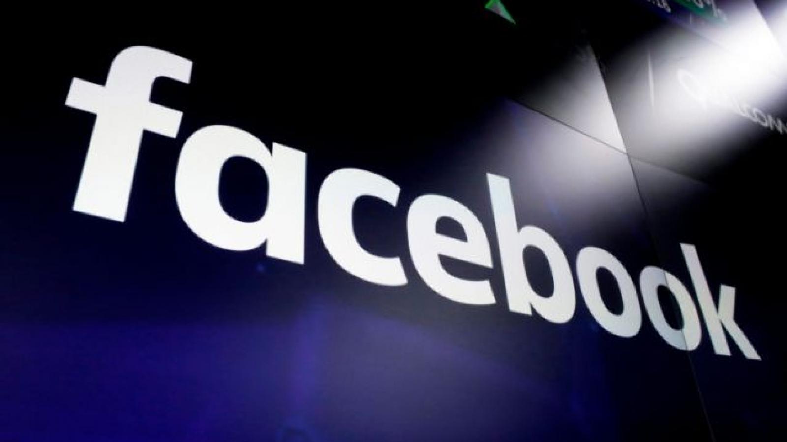 Trước thềm ngày nhậm chức, Facebook cấm quảng cáo phụ kiện vũ khí và thiết bị bảo vệ ở Mỹ