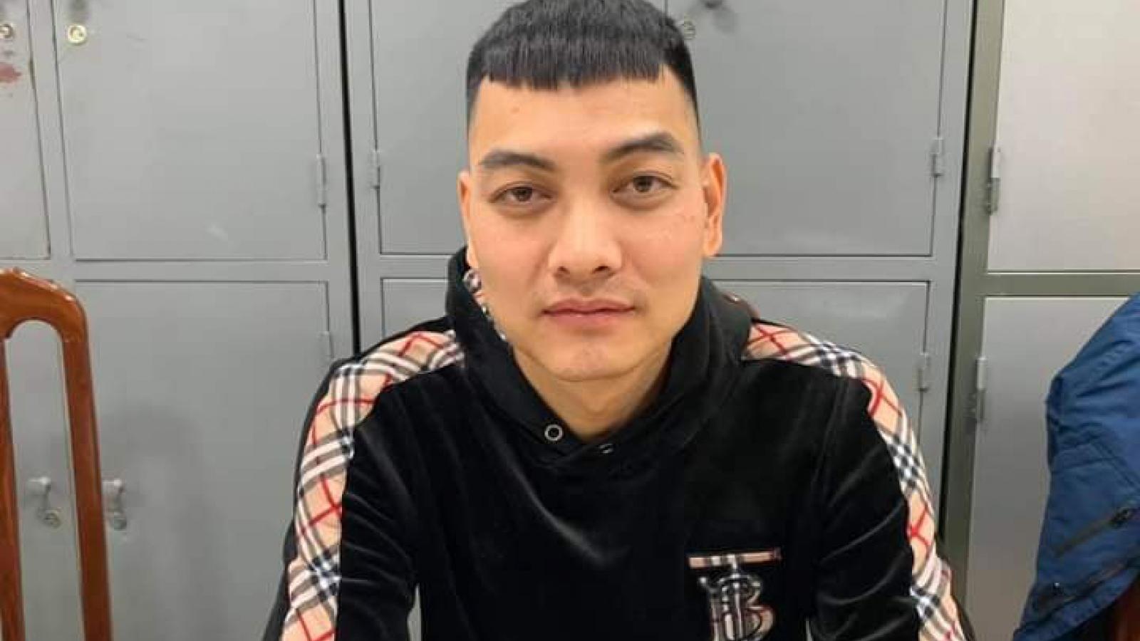 Đối tượng nã súng vào xe ô tô của Dương Minh Tuyền ra đầu thú