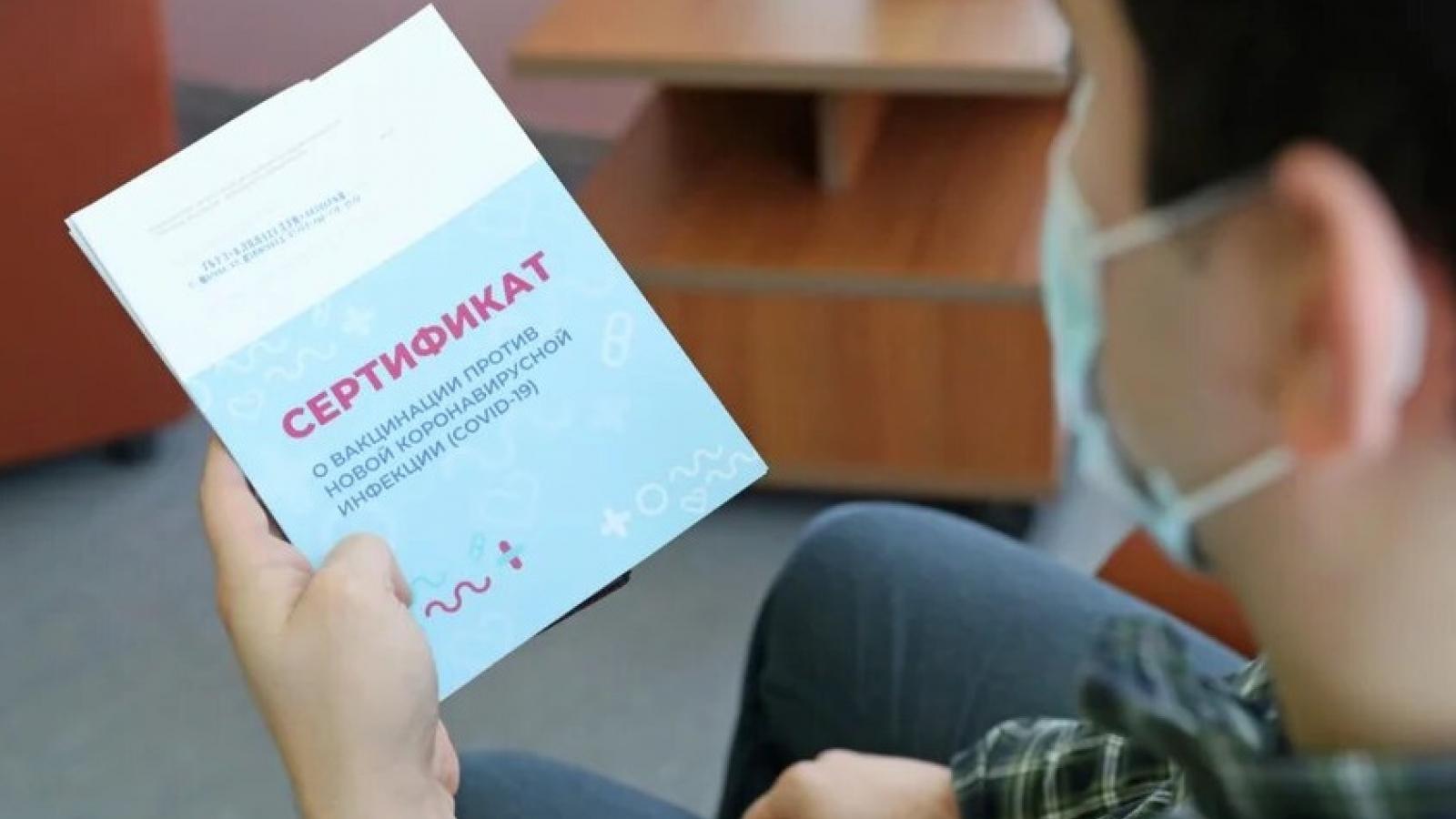 """Gần 60% người Nga phản đối việc ban hành """"hộ chiếu Covid"""""""