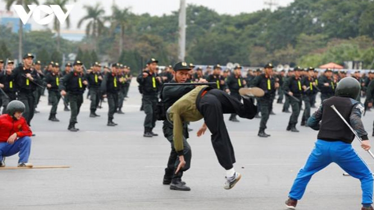 6,000 soldiers, policemen deployed to protect upcoming Party Congress