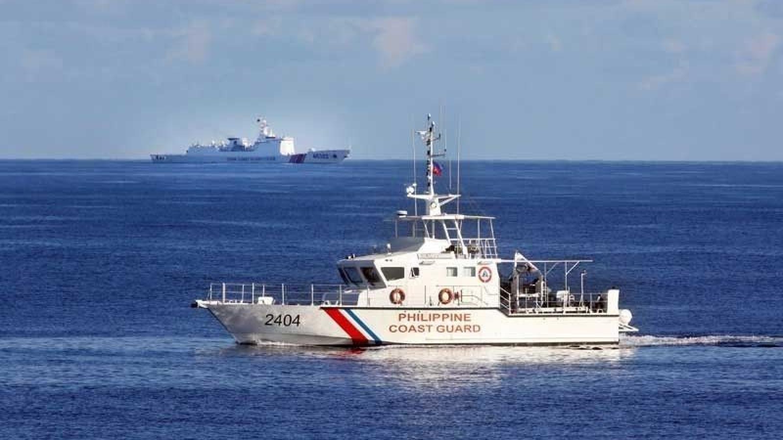 """Philippines gọi Luật hải cảnh của Trung Quốc là """"mối đe dọa chiến tranh"""""""