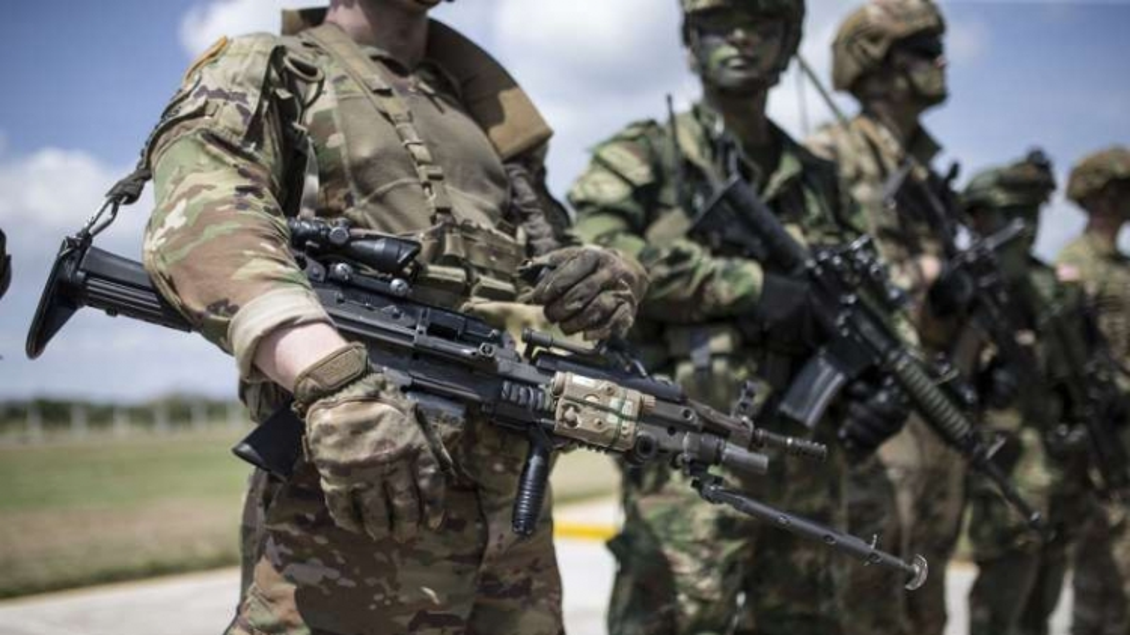 10 cựu Bộ trưởng Quốc phòng Mỹ kêu gọi không kéo quân đội vào tranh cãi bầu cử