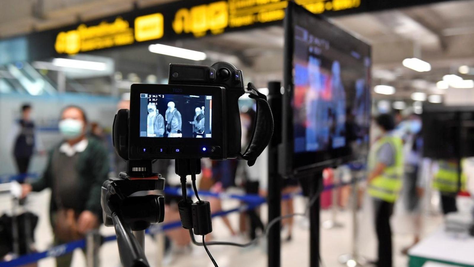 Lo ngại biến chủng SARS-CoV-2, Thái Lan cấm du khách tới từ Anh nhập cảnh