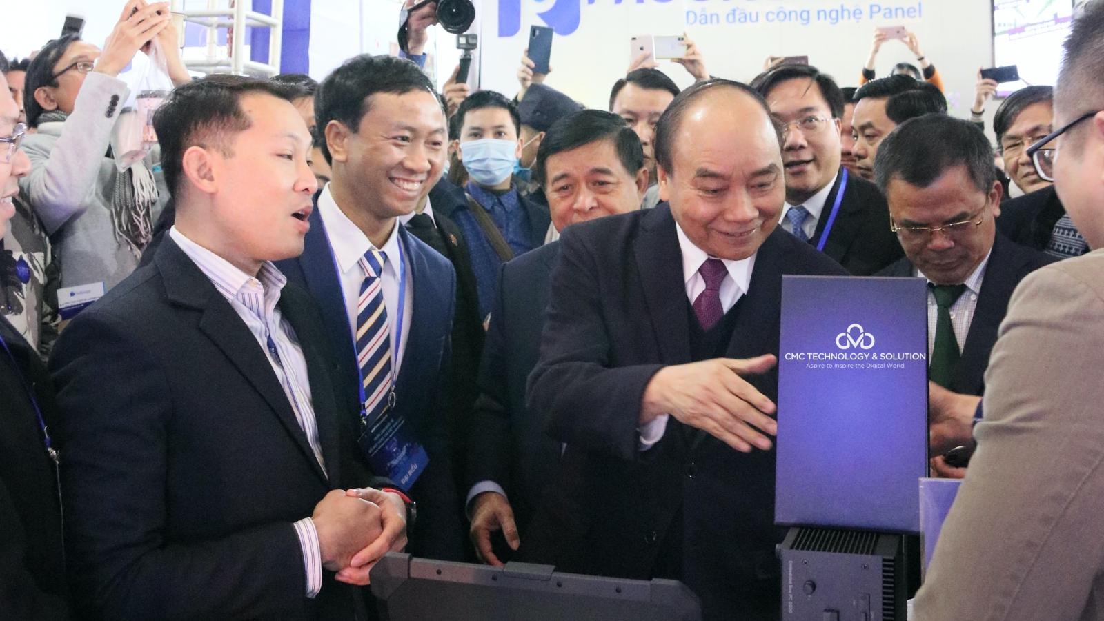 Hệ sinh thái sản phẩm CMC ghi điểm tại Triển lãm Quốc tế Đổi mới sáng tạo Việt Nam