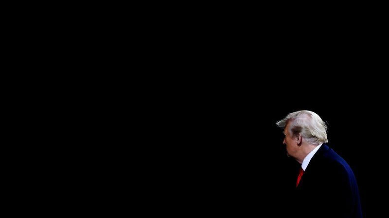 Tổng thống Trump sẽ không từ chức trước sức ép luận tội