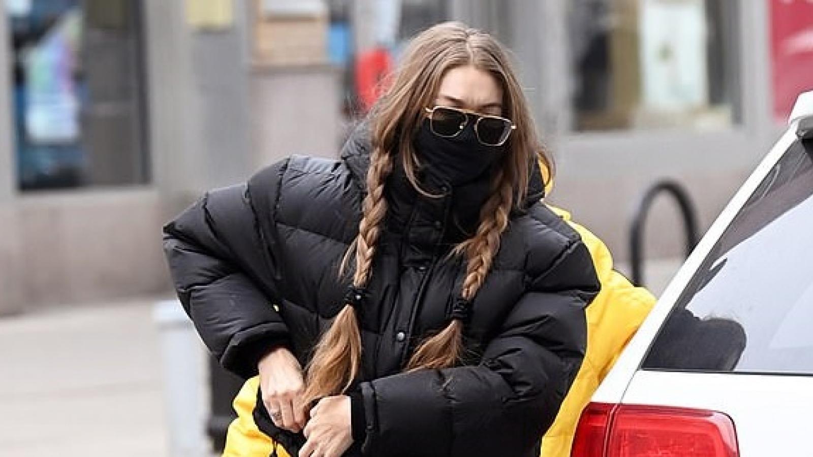 Siêu mẫu Gigi Hadid nhanh chóng lấy lại dáng thon gọn sau gần 6 tháng sinh con