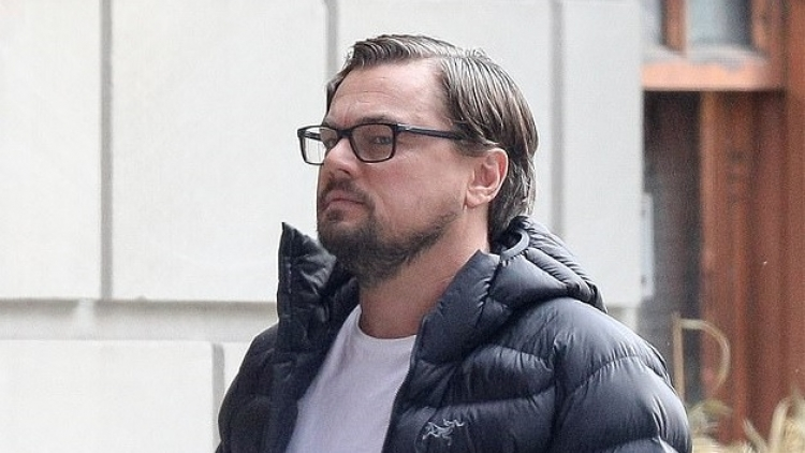 "Leonardo DiCaprio ""phát tướng"", già nua trên phim trường"