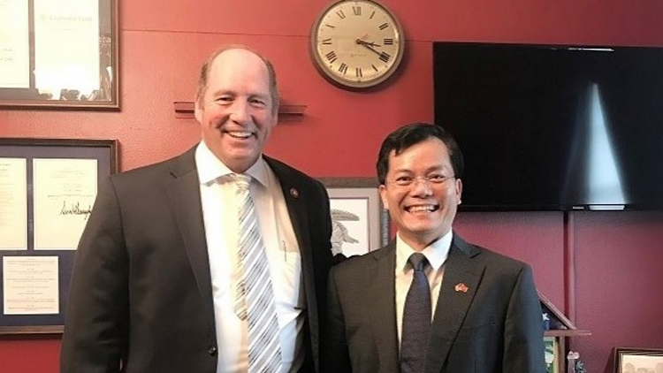 VN ambassador holds phone call with US House Representative