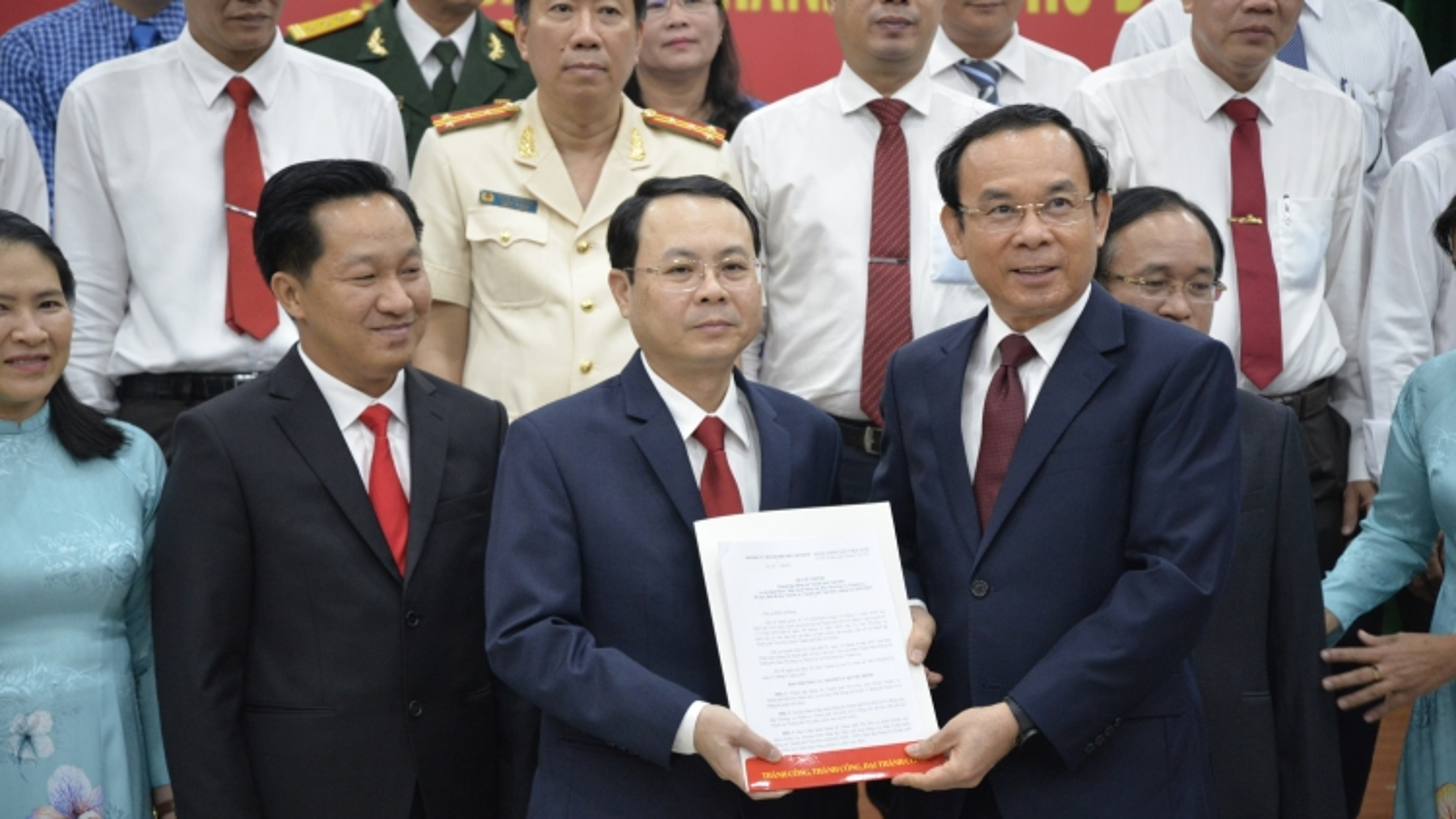 Bí thư Thành uỷ TPHCM trao quyết định cán bộ chủ chốt TP Thủ Đức