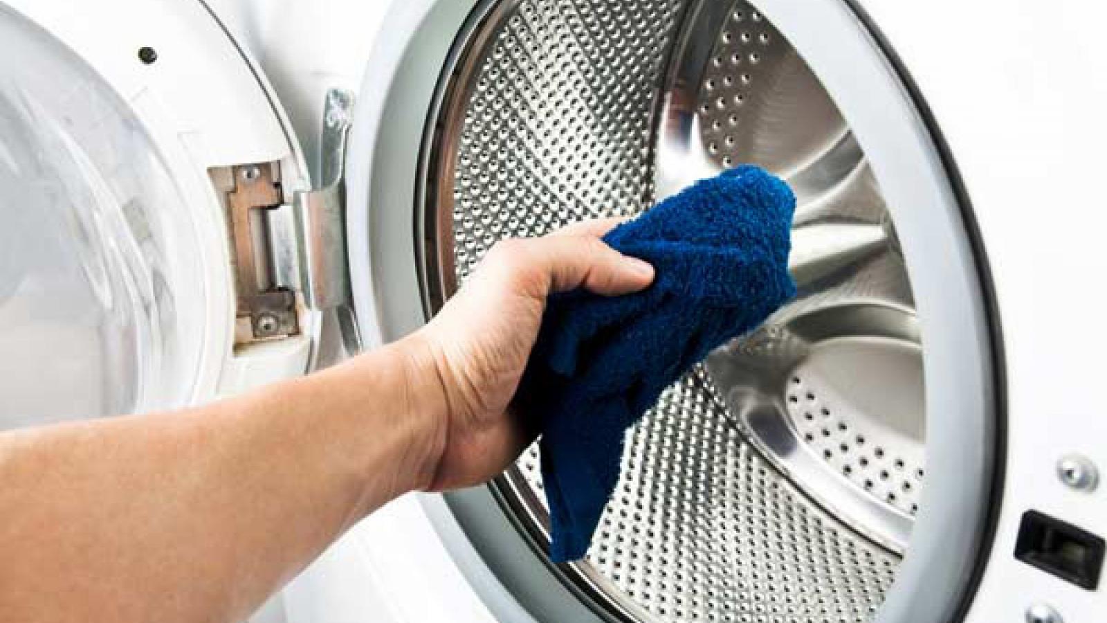 7 mẹo khắc phục sự cố quần áo bị mốc meo