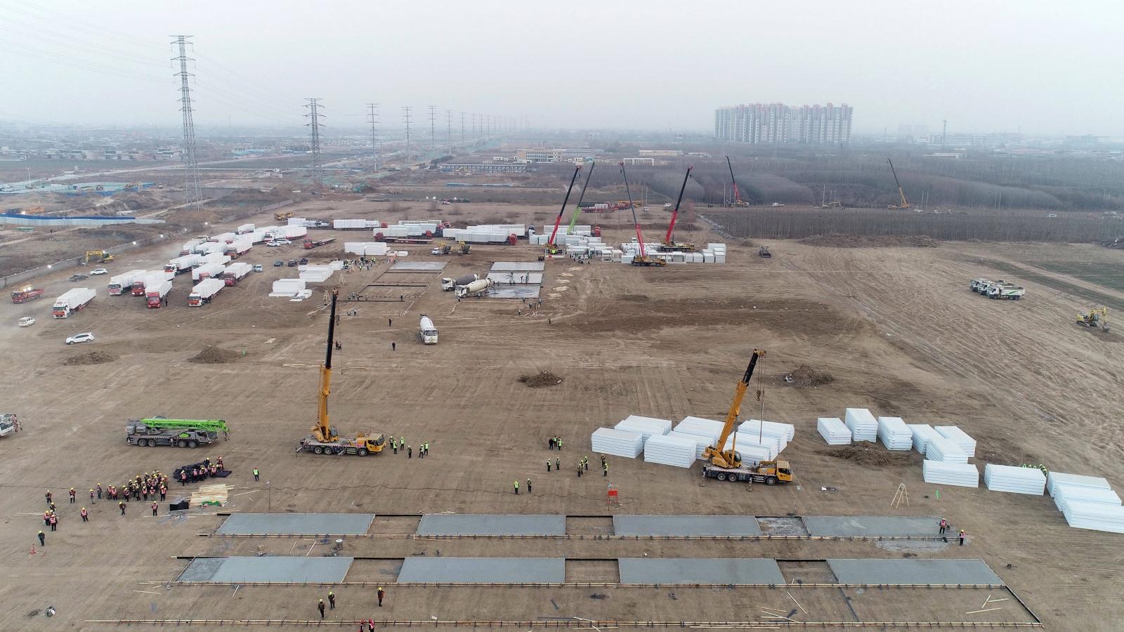 Thạch Gia Trang (Trung Quốc) gấp rút xây dựng trung tâm cách ly tập trung Covid-19