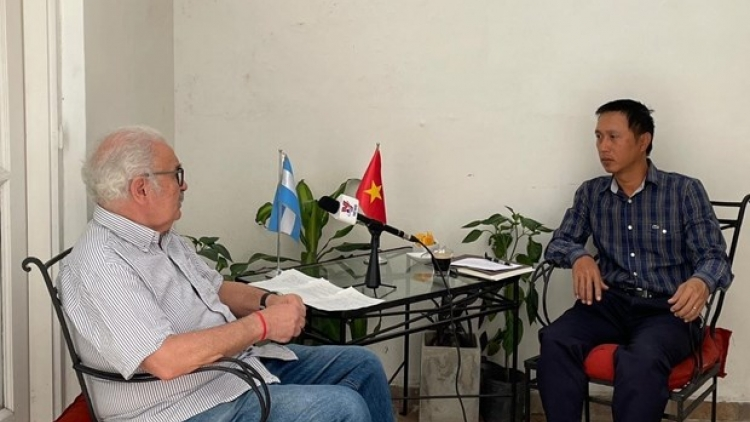 Argentinian party chief applauds decisive role of Vietnamese Communist Party