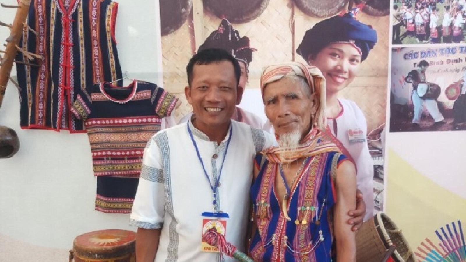 Ngày xuân, kể chuyện về những người giữ hồn văn hóa Chăm