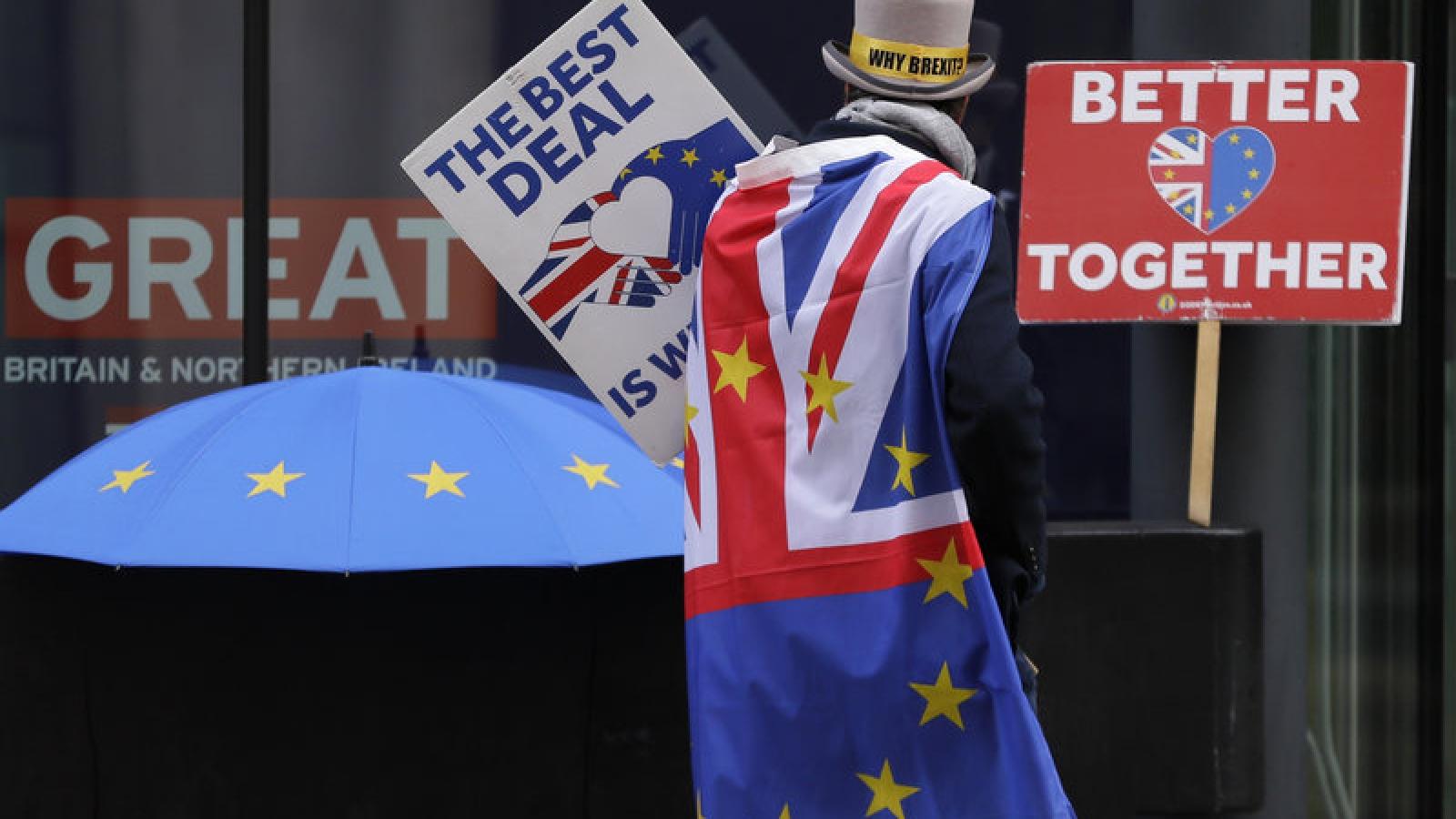 """Anh bắt đầu cuộc sống mới hậu Brexit """"không gián đoạn, không hỗn loạn"""""""