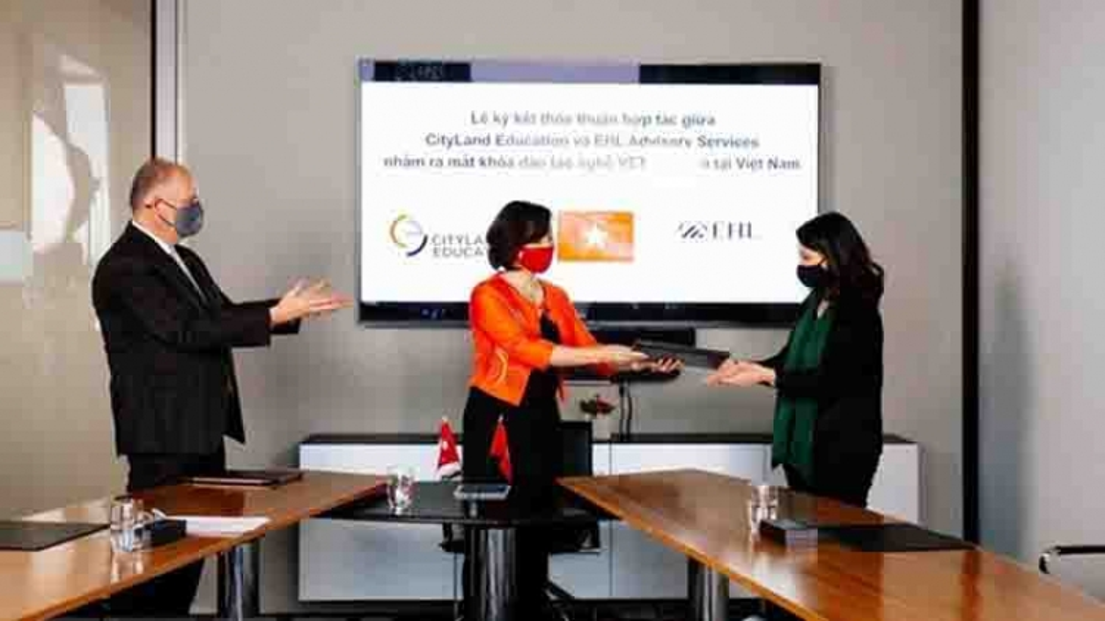 Vietnamese, Swiss educational establishments partner in hospitality training