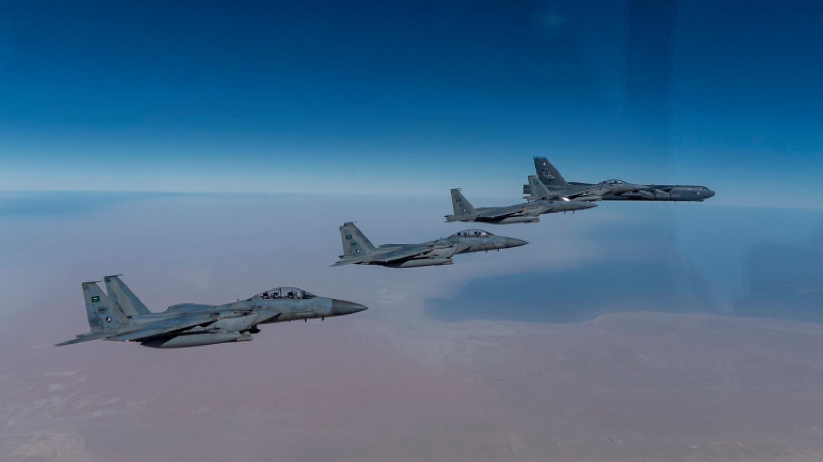 Oanh tạc cơ B-52 lần đầu tới Trung Đông sau khi Tổng thống Biden nhậm chức