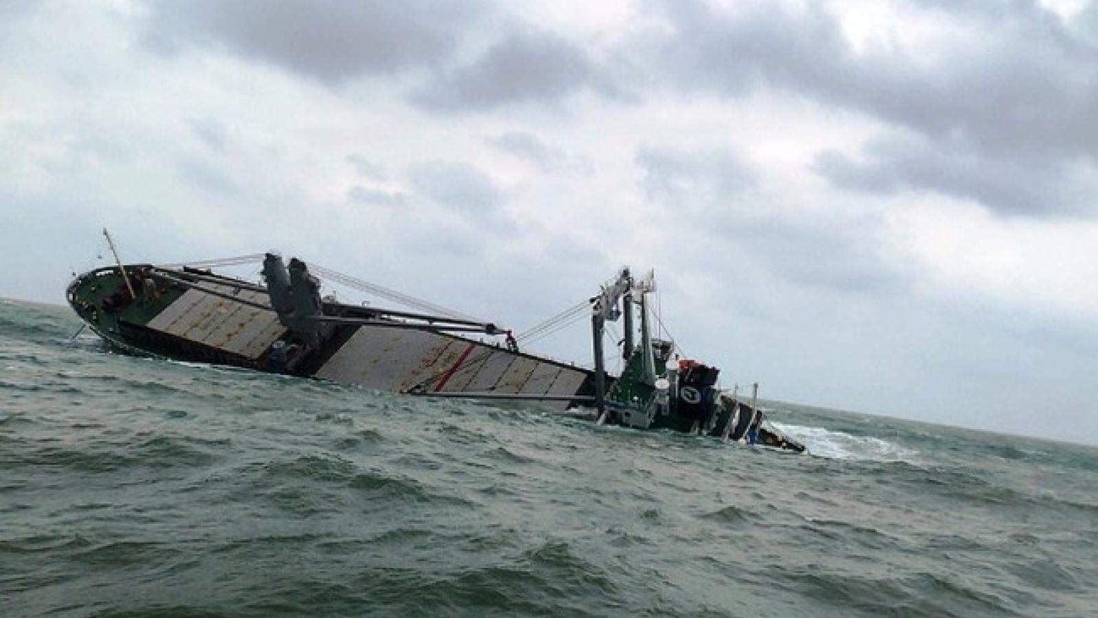 Liên tiếp nhiều ngư dân mất tích trên biển do tàu bị chìm