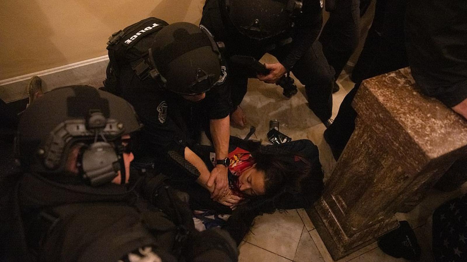 Tiết lộ gây sốc về nạn nhân tử vong trong vụ bạo loạn tại tòa nhà Quốc hội Mỹ