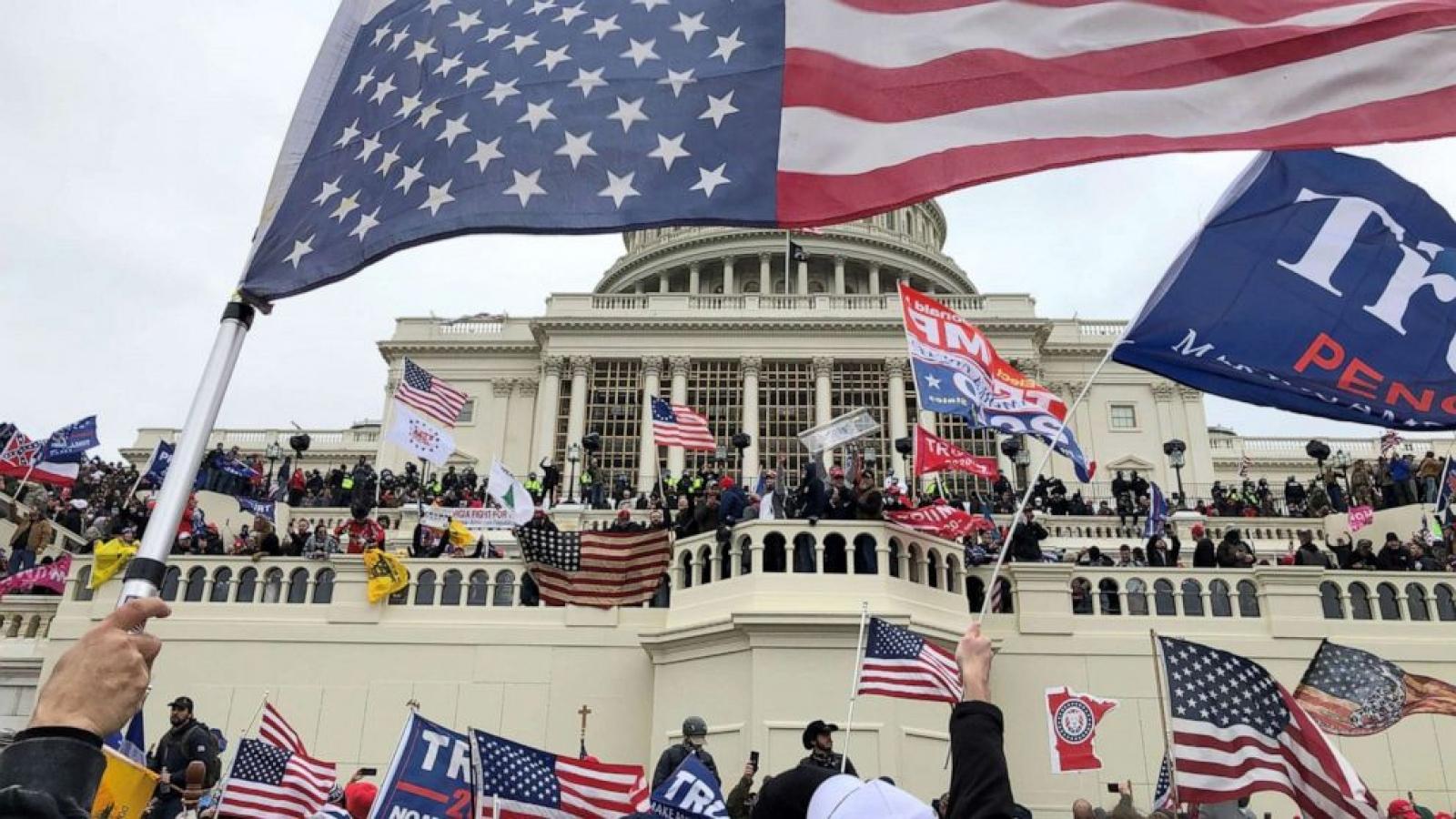 Tranh cãi khả năng dùng đạo luật chống mafia truy tố kẻ bạo loạn Điện Capitol