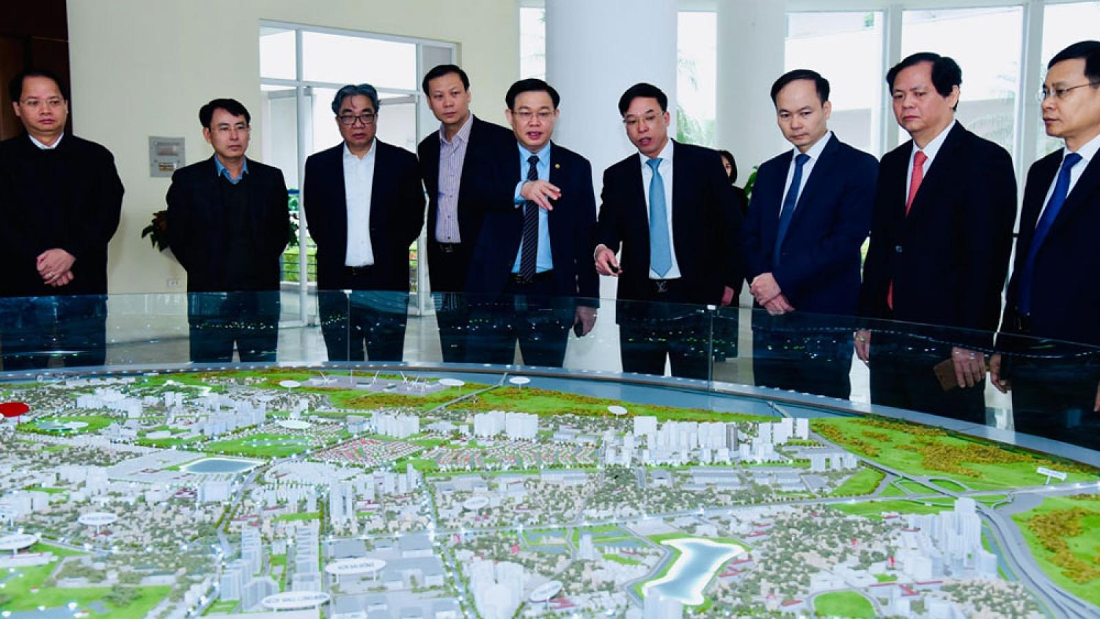 Bí thư Thành ủy Hà Nội: Tìm giải pháp để quận Long Biên phát triển bứt phá hơn