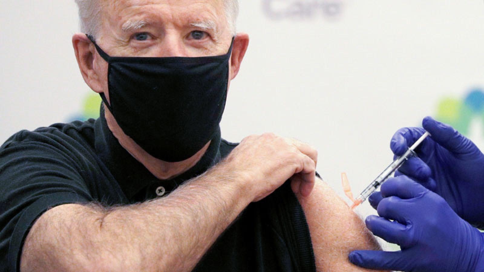 Tổng thống đắc cử Mỹ Biden được tiêm mũi vaccine ngừa Covid-19 thứ 2