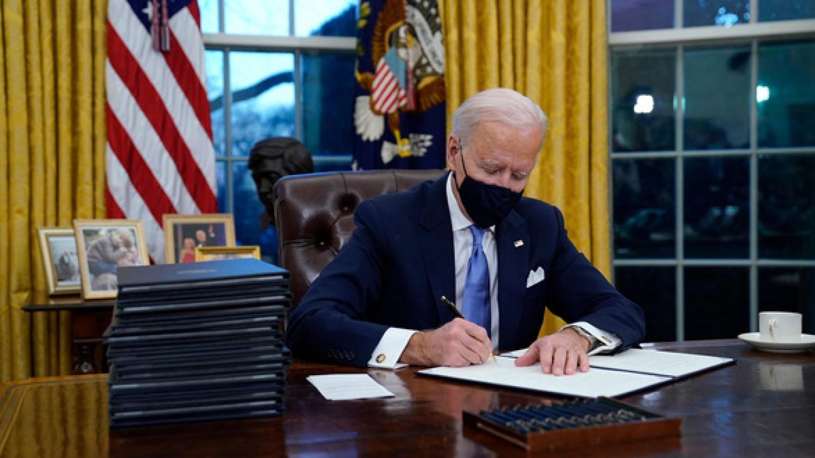 Cách bài trí phòng Bầu Dục tiết lộ phong cách làm việc của ông Biden