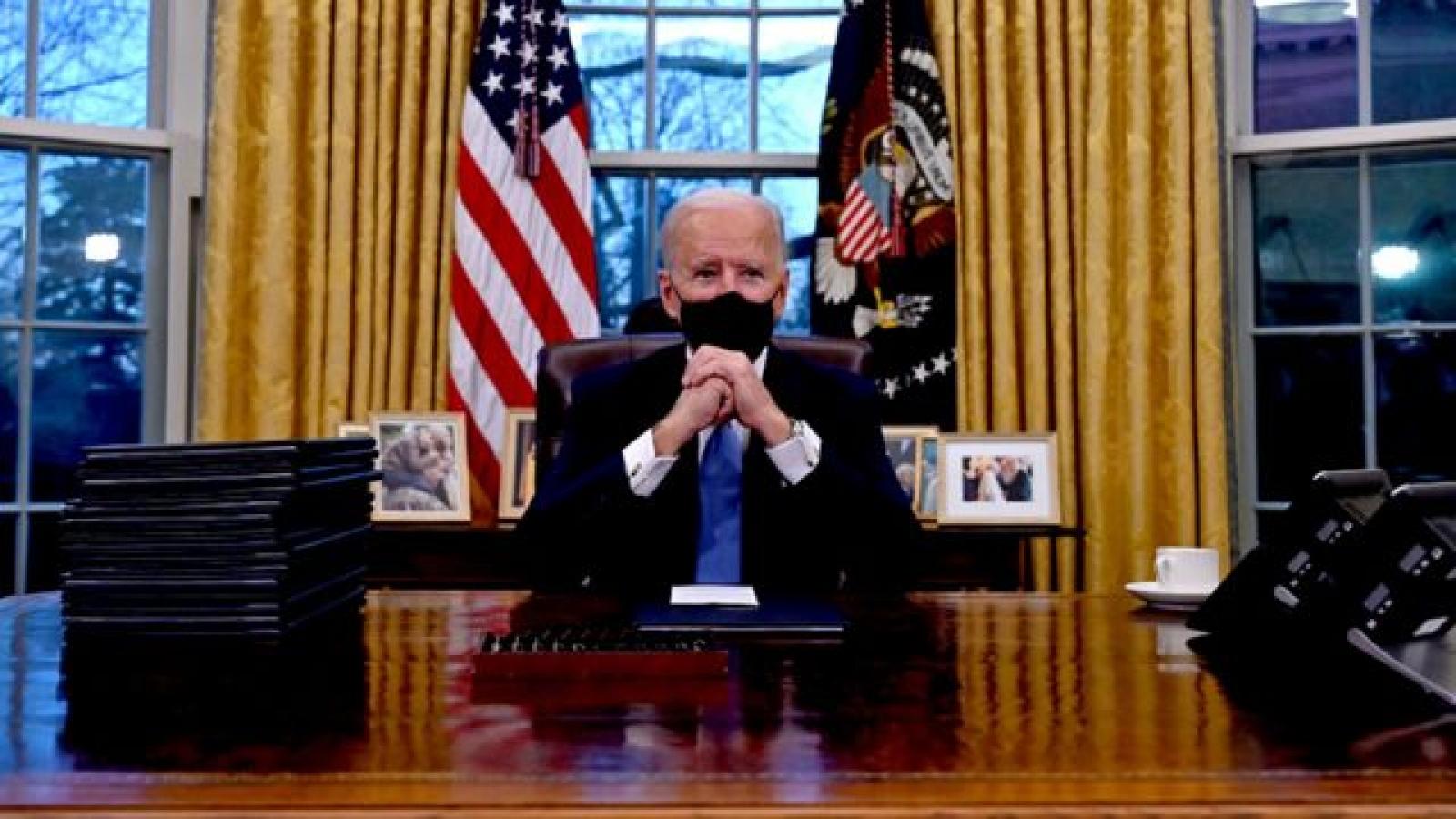 """Tân Tổng thống Mỹ Joe Biden hối thúc hành động kinh tế """"quyết đoán hơn"""""""