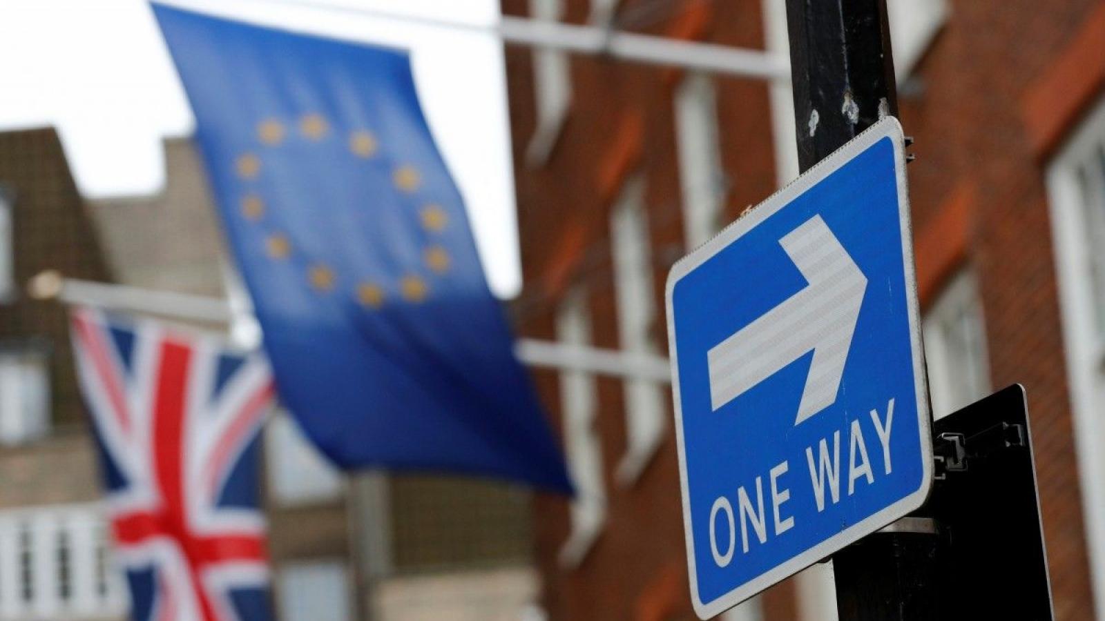 Hậu Brexit: Anh đối mặt phép thử đầu tiên sau kỳ nghỉ lễ