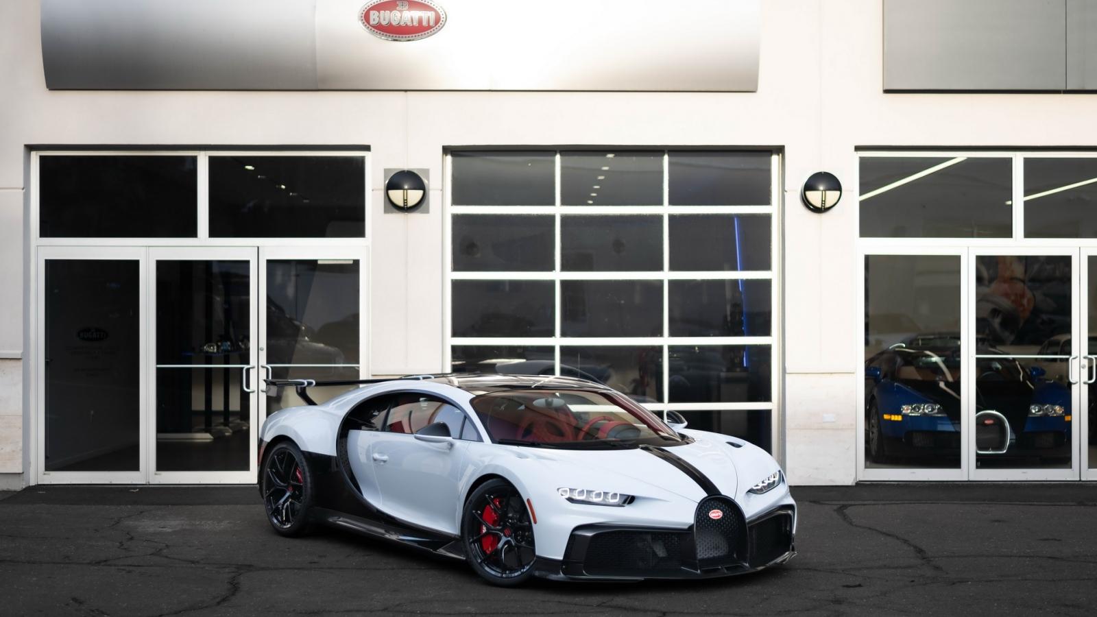 Siêu phẩm đường đua Bugatti Chiron Pur Sport chính thức đến tay khách hàng