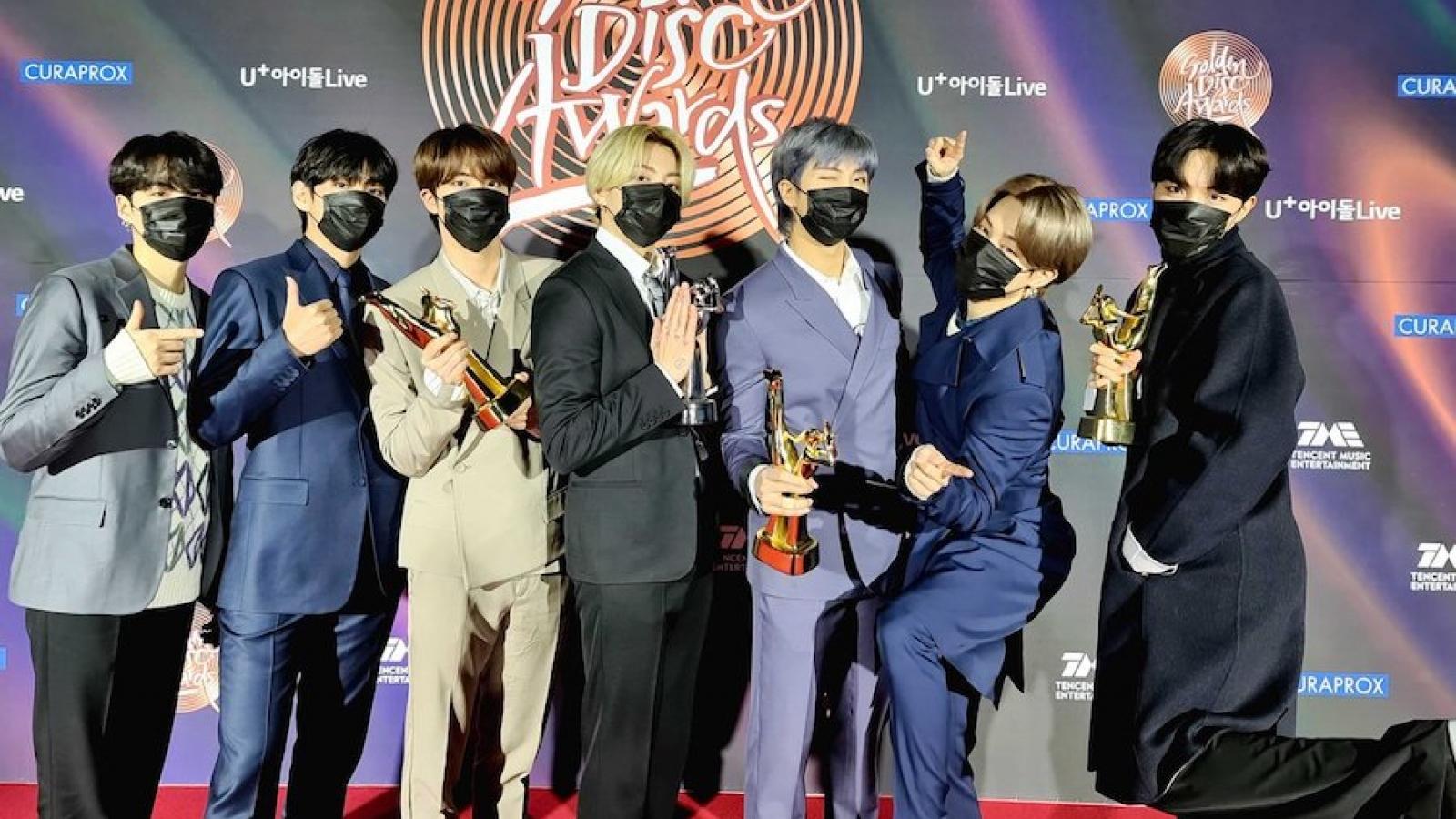 """BTS lập kỷ lục tại """"giải Grammy Hàn Quốc"""""""