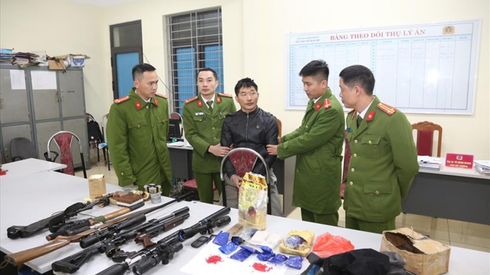 Sơn La bắt đối tượng tàng trữ ma túy, thu giữ số lượng lớn vũ khí