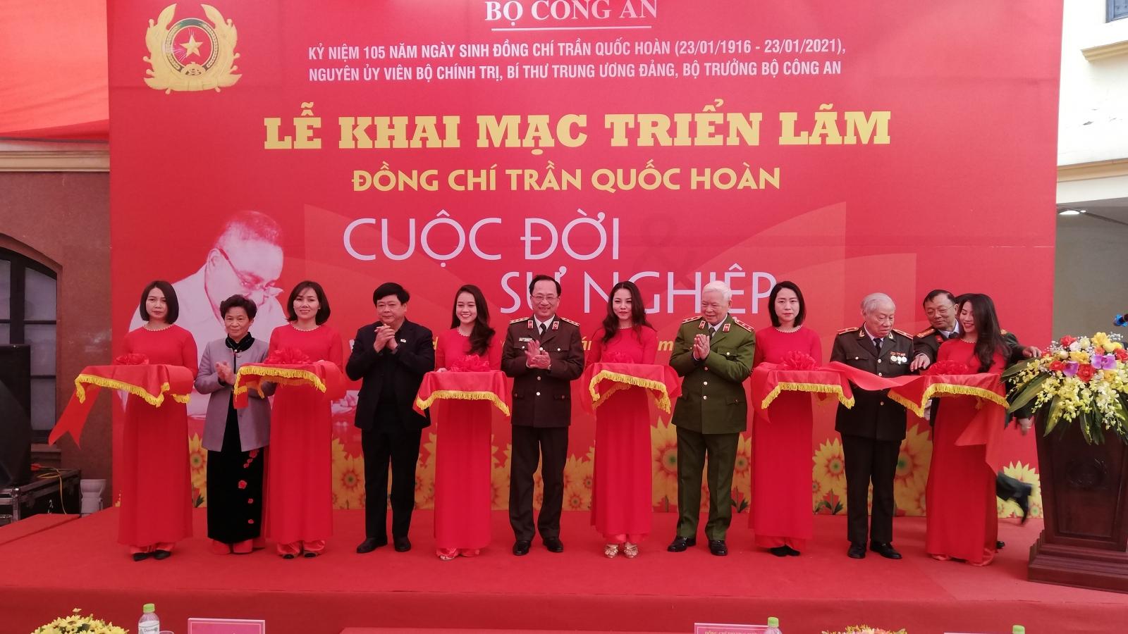 """Triển lãm """"Đồng chí Trần Quốc Hoàn – Cuộc đời và sự nghiệp"""""""